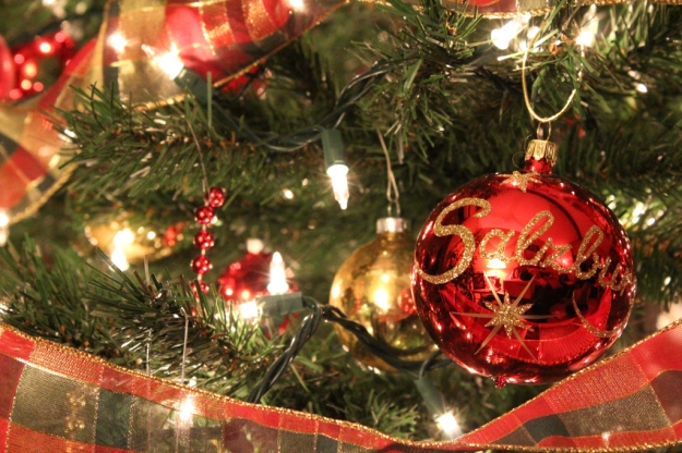 nikkielliott-ornament