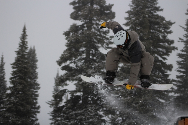 nikkielliott-snowboardingfreezeoriginal